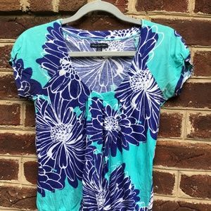 American Eagle Blue Floral Short-Sleeve Top